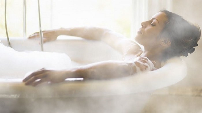 manfaat mandi air panas